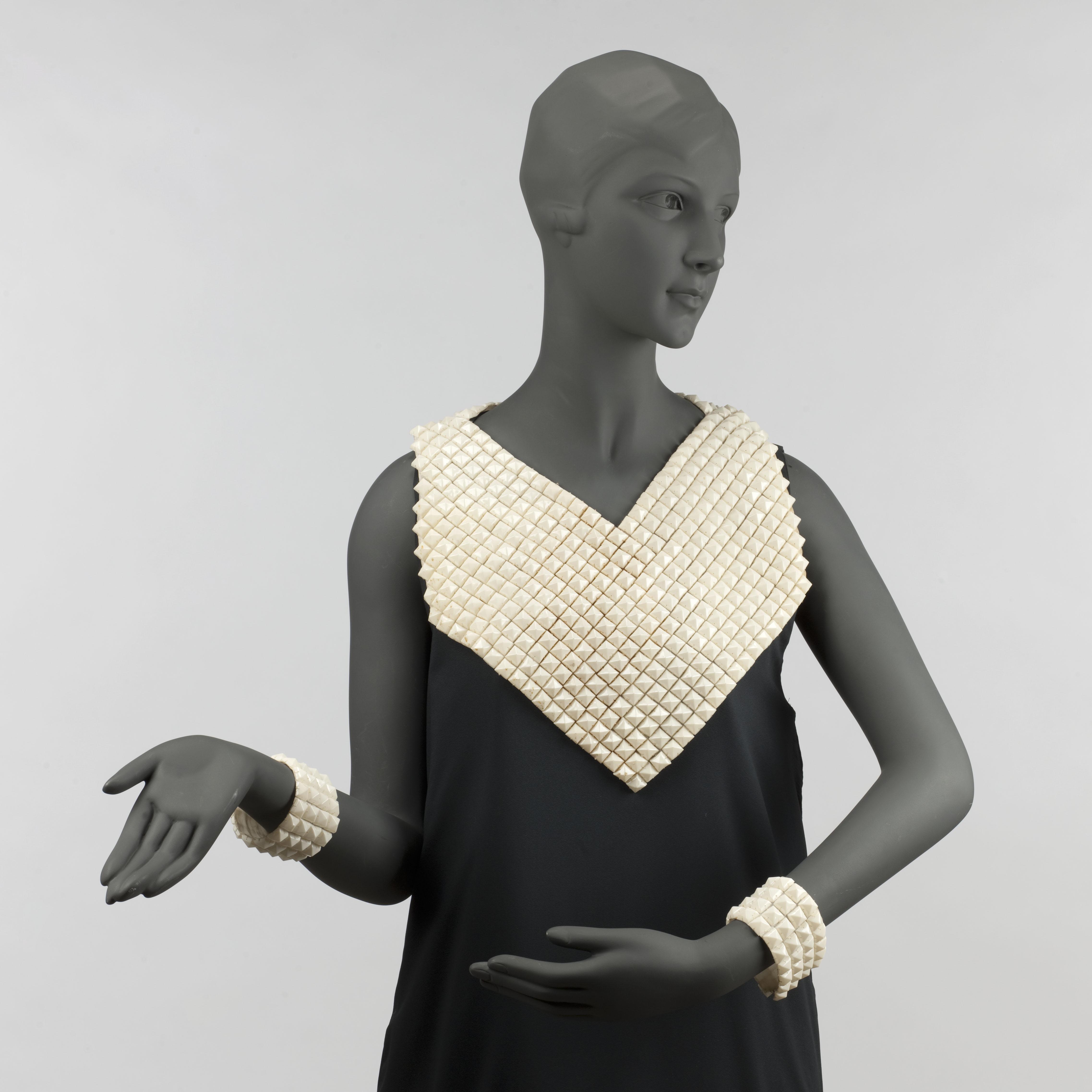 Roman d'une garde robe catalogue