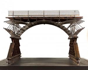 Modèle d'une arche du pont des Arts, 1800 Bois et fer partiellement doré 62 x 101,5 x 96,5 cm. © Eric Emo / Musée Carnavalet / Roger-Viollet