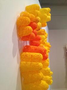 Fuminori Ono, Feel the Wind, 2010 © De fil en archive Pâte chimique, teintures   chimiques, fini de polyuréthane 250 x 350 cm