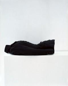 H. J. Nicoll (Londres et Paris), jaquette d'amazone de Cléo de Mérode (Cléopâtre-Diane de Mérode, dite, 1875-1966), vers 1896-1898 Sergé de laine noir Collection Palais Galliera - © Eric Poitevin/ADAGP, Paris 2016