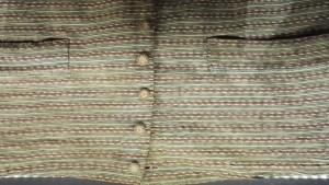 Gilet tricoté ayant appartenu à Condorcet (1743-1794). Ce gilet à la simplicité trompeuse est en fait un tricotage qui montre les progrès de la maille à la fin du XVIIIe siècle. © De fil en archive